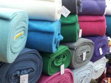 Fleece  zware kwaliteit 100% polyester. wij hebben meer dan 45 kleuren.